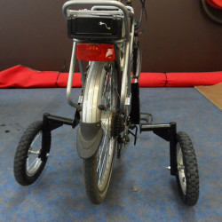 Roues stabilisatrices pour vélo