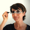 Lunettes loupe aide au maquillage