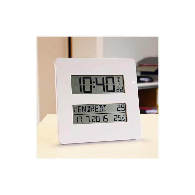 Horloge radio-pilotée avec température