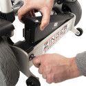 Fauteuil roulant électrique et pliable ZINGER + coussin