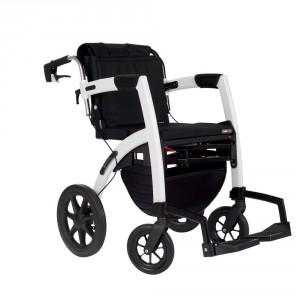 Vacances adaptées : déambulateur avec fauteuil de transfert