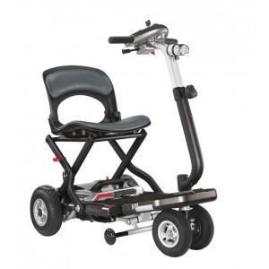Vacances adaptées : scooter pliable Bobby