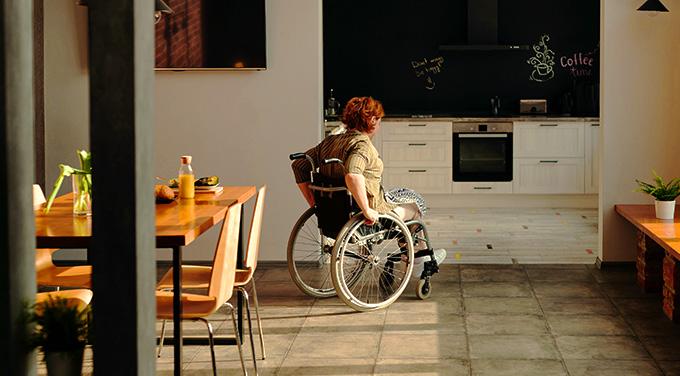 fauteuil-roulant-autonomie-aide-technique-tous-ergo-medical