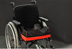 En fauteuil roulant